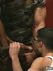 Interracial Gay Threesome Blowjob Assfucking Cumxxx