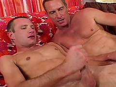 In a tropical beach hut, Muscle daddy Scott Mann gets sucked off. Then young pup David Rush gets a bit of oral worship, before Mann puts his apprentice in his p...