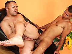 Two brunette blokes bang the fuck out of each other here