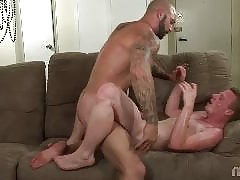 This hung bisexual bodybuilder loves hot action with sexy guys and girls