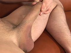 Canadian boy Nick shows us just what he can do with his 9 inch cock. Another pro performance from an amateur.