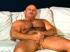 Steve majors rubbing and oiling up his big stiff cock