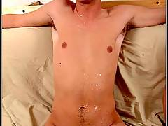 Straight boy gets his dick sucked by another straight guy